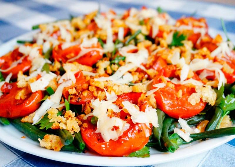 Зеленая фасоль с жареными помидорами рецепт фото