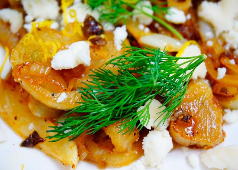 Салат из жареного фенхеля и козьего сыра рецепт фото
