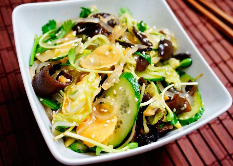 Салат из древесных грибов приготовление фото