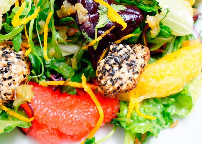 Зеленый салат с цитрусами рецепт фото