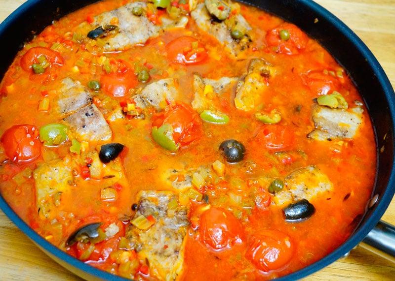 Рыба под неаполитанским соусом фото