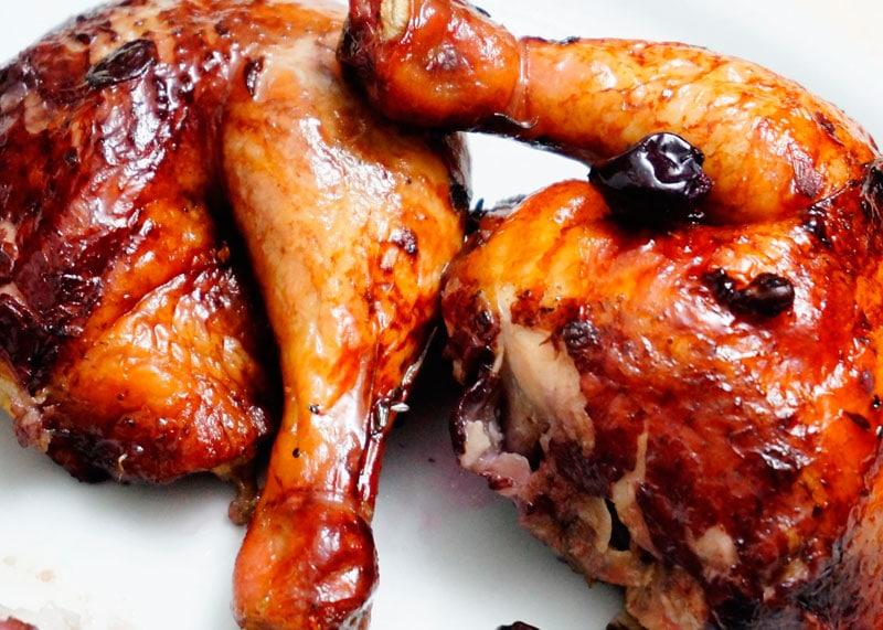 Цыпленок с начинкой из черного винограда приготовление фото