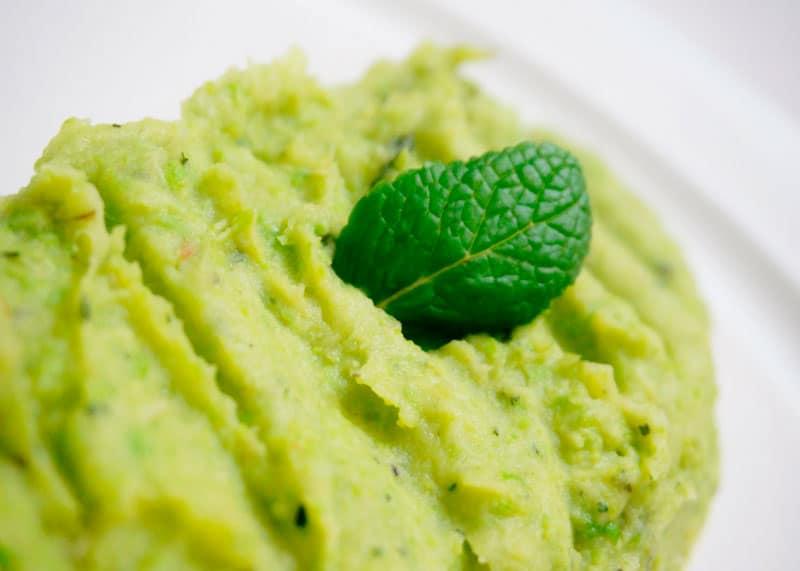 Пюре из зеленого горошка и пастернака фото