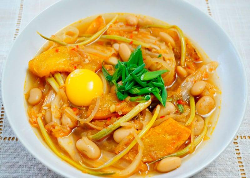 Фасолевый суп с капустой кимчи рецепт фото