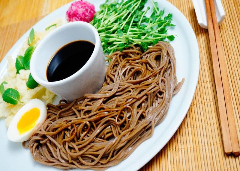 Японский салат с красной редькой рецепт фото
