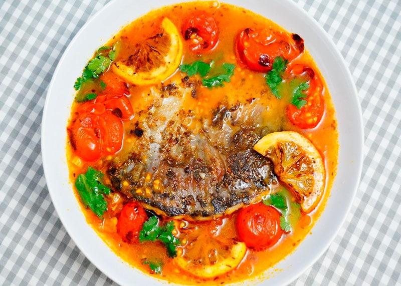 Жареная рыба с пикантной юшкой приготовление фото