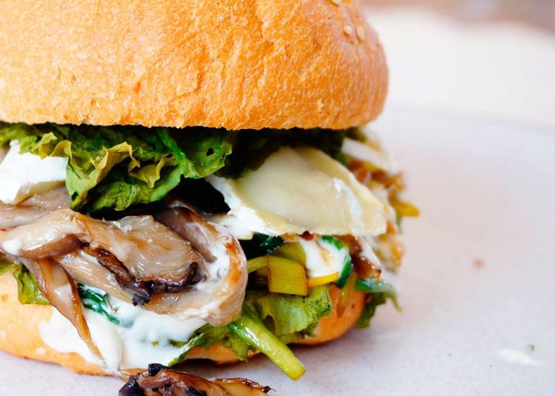 Чисбургер с грибами фото