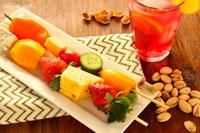 Фисташки и фрукты фото