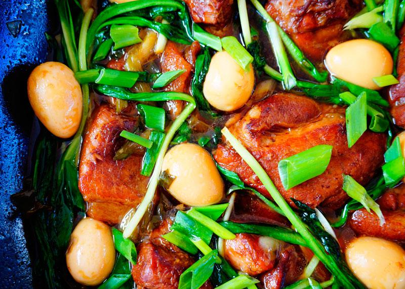 Свинина и яйца в карамельном соусе рецепт фото