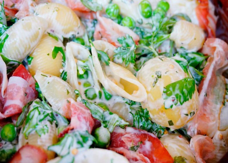 Салат из молодого картофеля и пасты фото