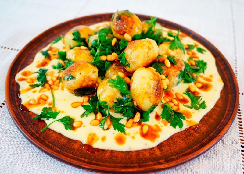 Салат из молодого картофеля с петрушкой рецепт фото