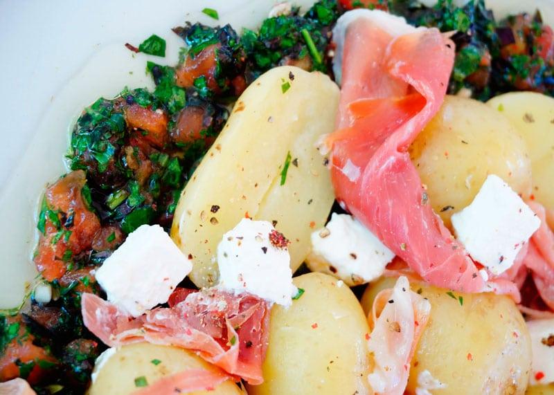 Молодой картофель с соусом Вьеж рецепт фото