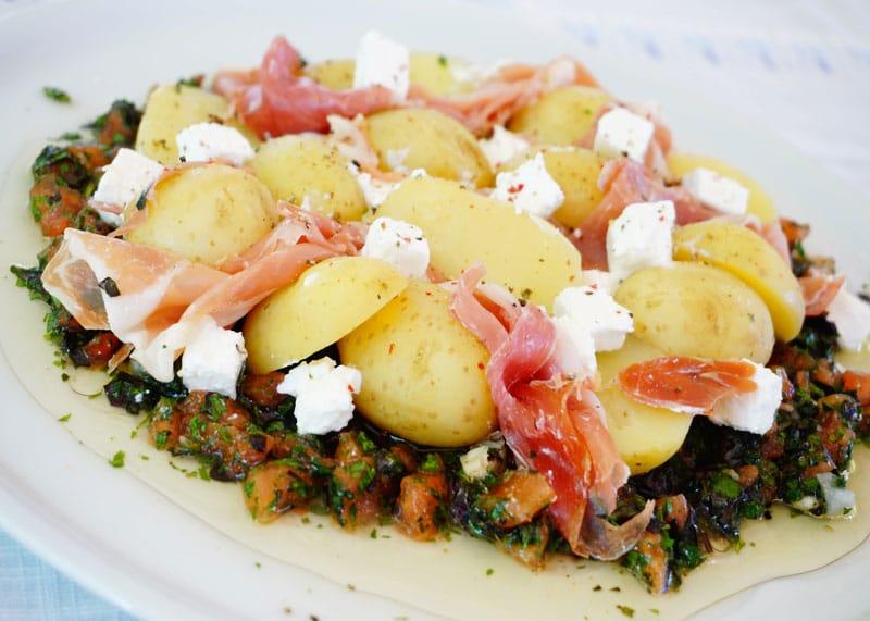 Молодой картофель с соусом Вьеж приготовление фото