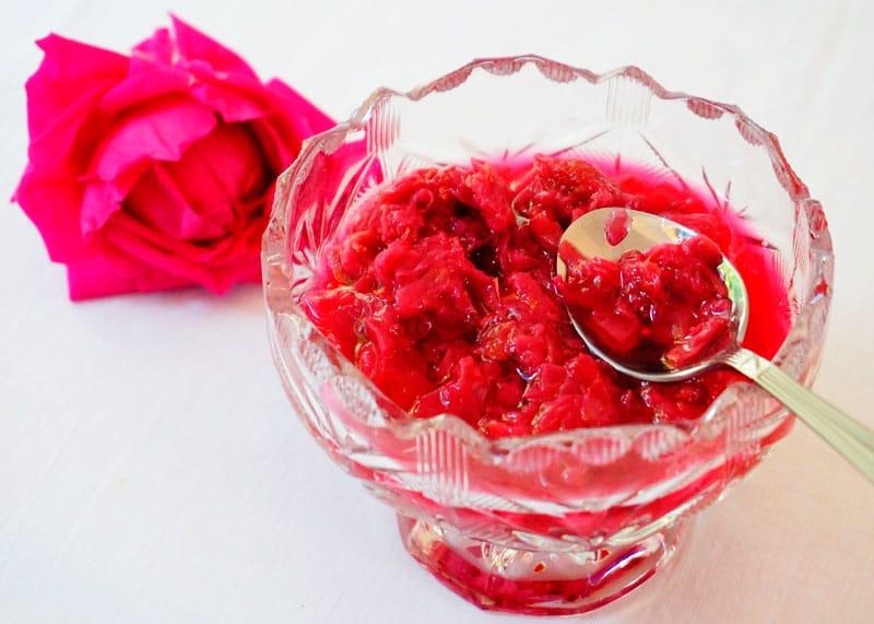 Розовое варенье приготовление фото