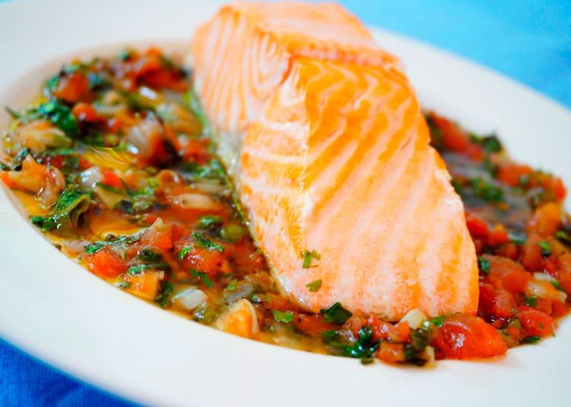 Жареный лосось с соусом Вьеж рецепт фото