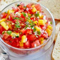Манго и помидоры фото