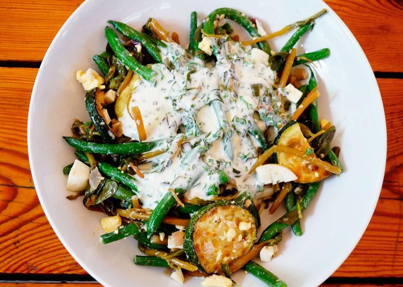 Салат из зеленой фасоли и портулака рецепт фото