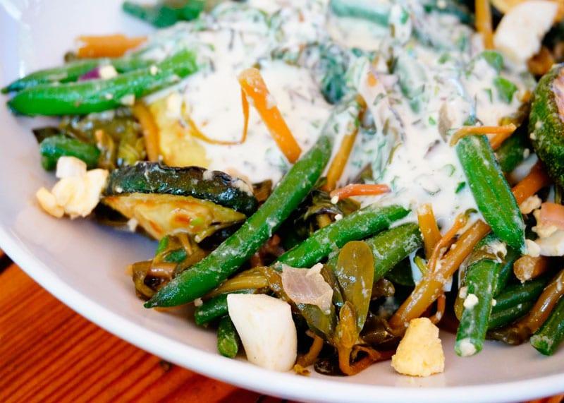 Салат из зеленой фасоли и портулака фото
