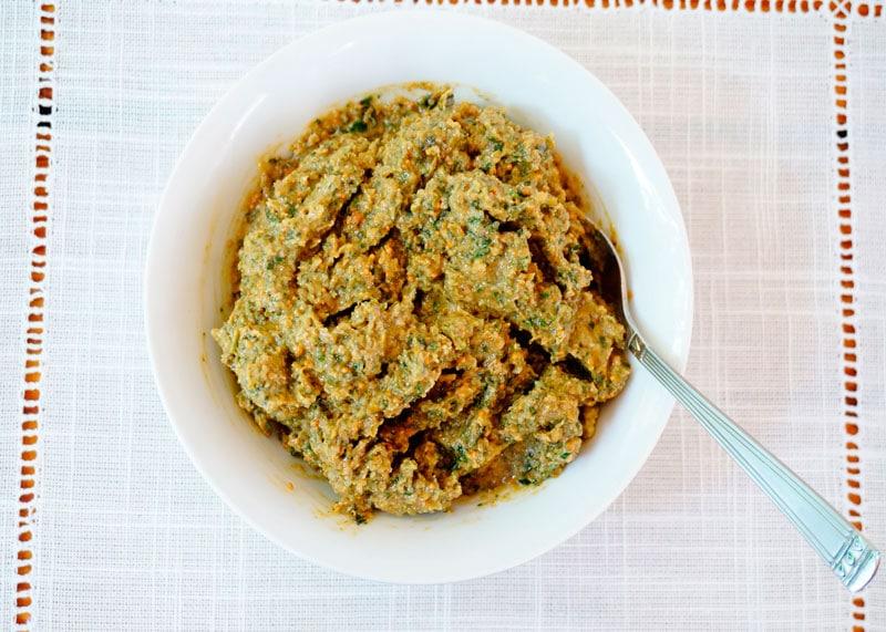 Тапенад из зеленых оливок и инжира фото