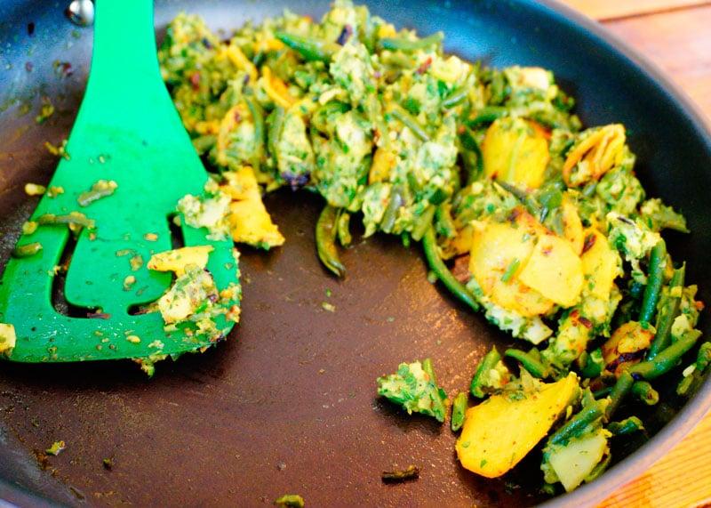 Палья из картофеля и зеленой фасоли фото