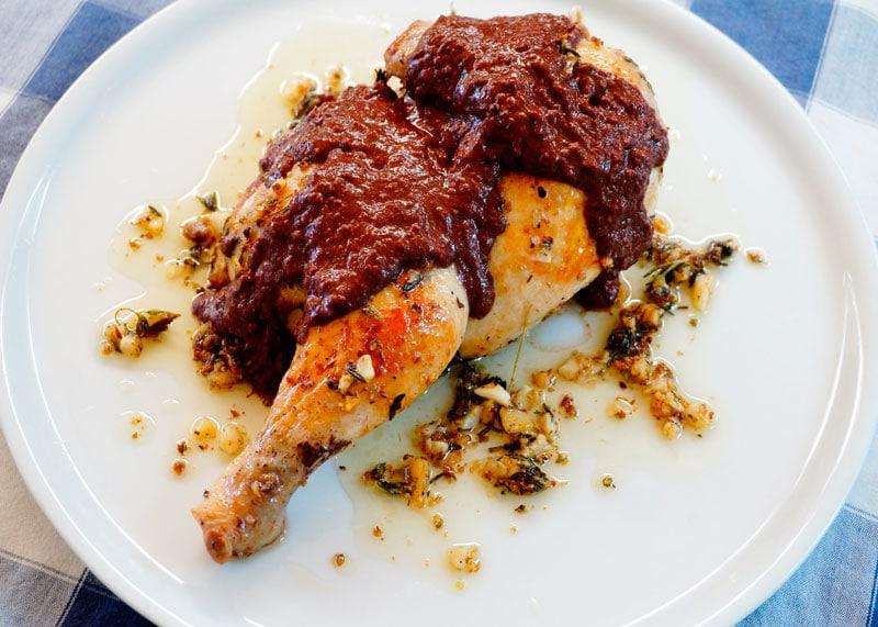 Цыпленок запеченный с травами рецепт фото