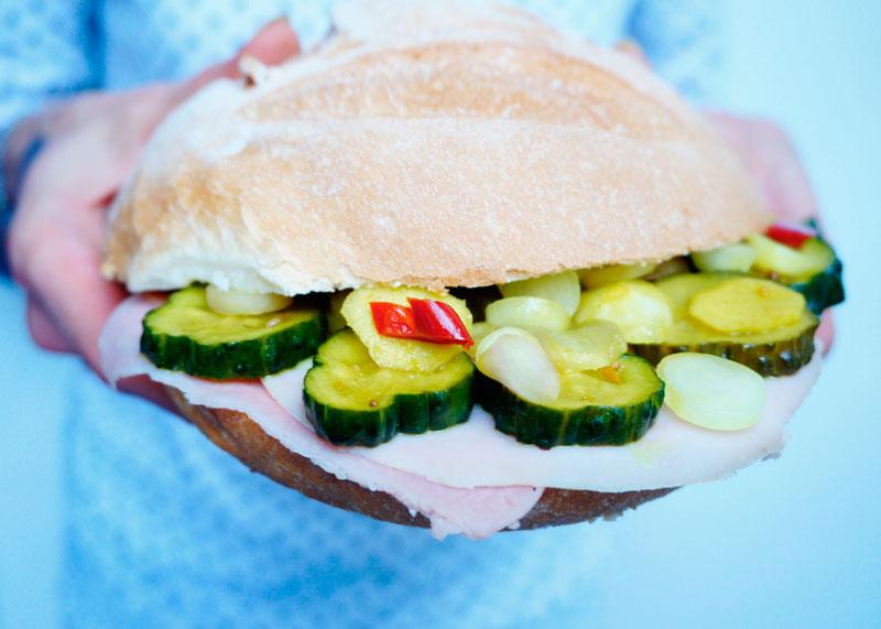 Американский сэндвич с ветчиной фото